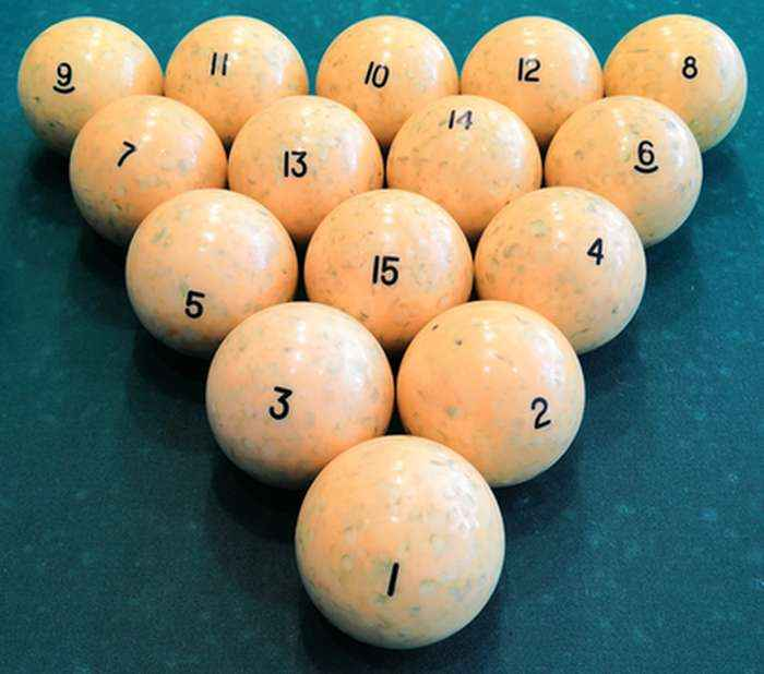 a set of 15 russain billiard balls